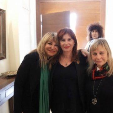 """אגודת הידידות והידידים של שדולת הנשים מארחת את הסופרת שרית ישי לוי בביתה של יו""""ר השדולה, הגב' יפה ויגודסקי."""